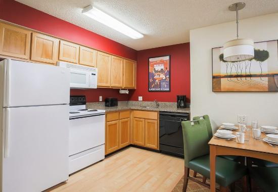 เซเลม, ออริกอน: Suite Kitchen Area