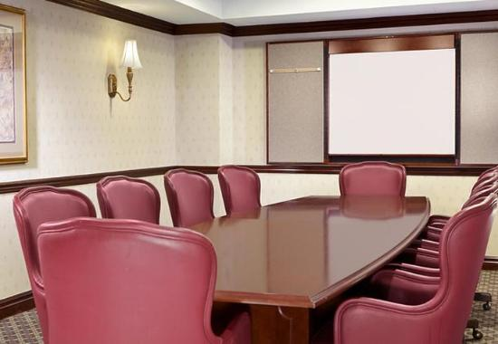 Уэст-Орандж, Нью-Джерси: Boardroom