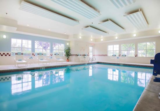 Morgan Hill, Kalifornia: Indoor Pool & Whirlpool