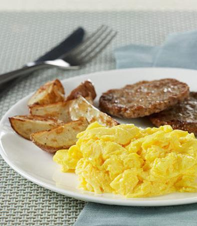 Hauppauge, نيويورك: Free Hot Breakfast