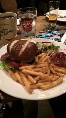 Cadnam, UK: Bacon Cheese Burger - GREAT!