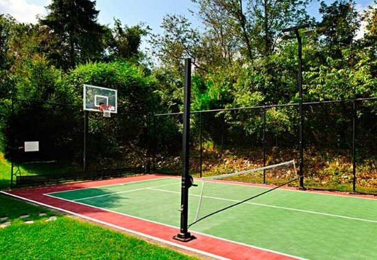 North Dartmouth, MA : Sport Court