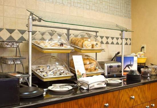 Huntersville, NC: Breakfast Buffet