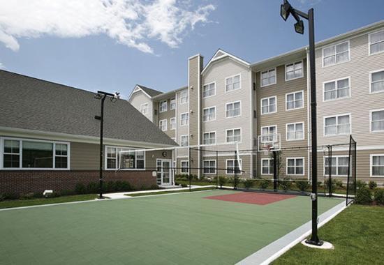 Wayne, Нью-Джерси: Sport Court