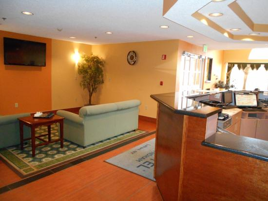 Microtel Inn by Wyndham Albany Airport: Lobby