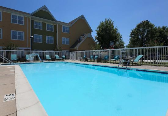 Fort Smith, AR: Outdoor Pool