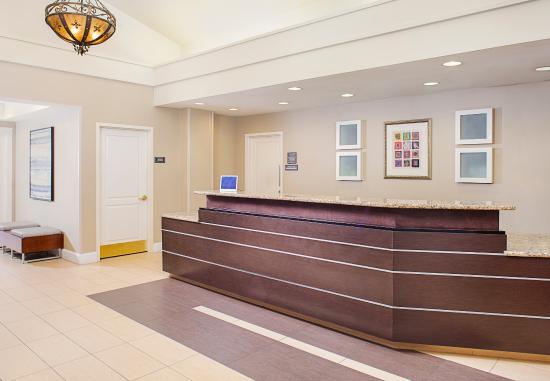 Residence Inn Houston West University: Front Desk