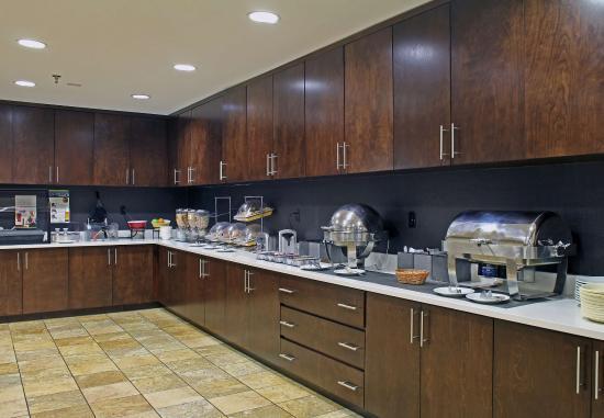 Temple, TX: Breakfast Buffet
