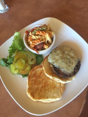 Lone Wolf, Οκλαχόμα: Burger & pasta