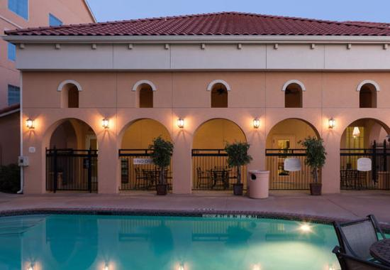 Killeen, TX: Outdoor Pool & Patio
