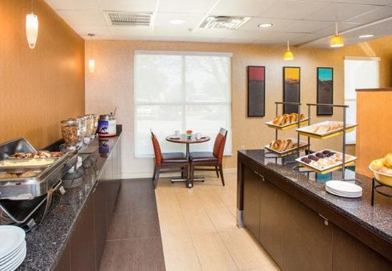 Lewisville, TX: Breakfast Buffet