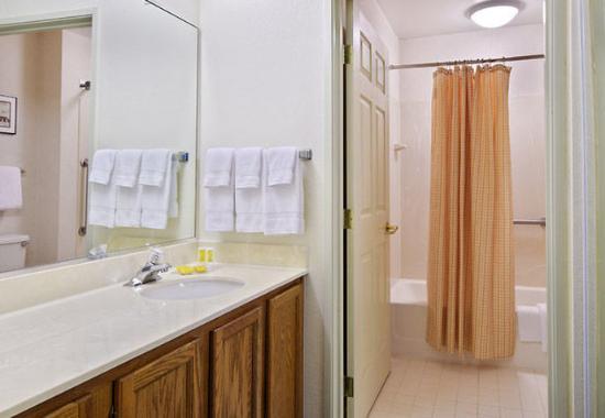 Pontiac, MI: Guest Bathroom