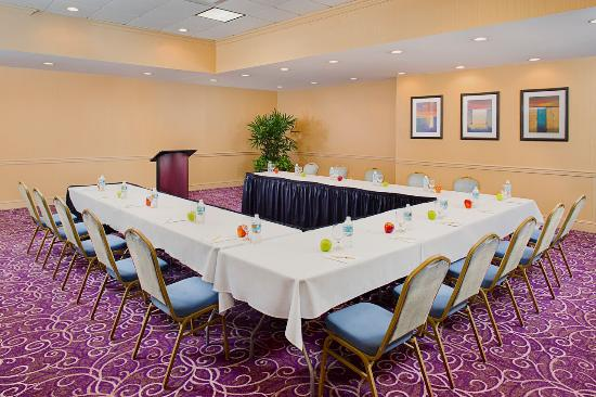 Doubletree by Hilton Hotel New Orleans Airport: Have your meetings with us!