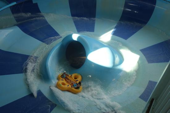 Kalahari Waterparks Almost To The End Of Tasmanian Twirl Ride Big Drop Coming