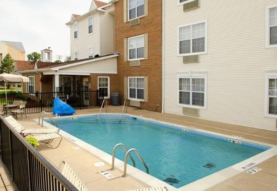 Fenton, MO: Outdoor Pool