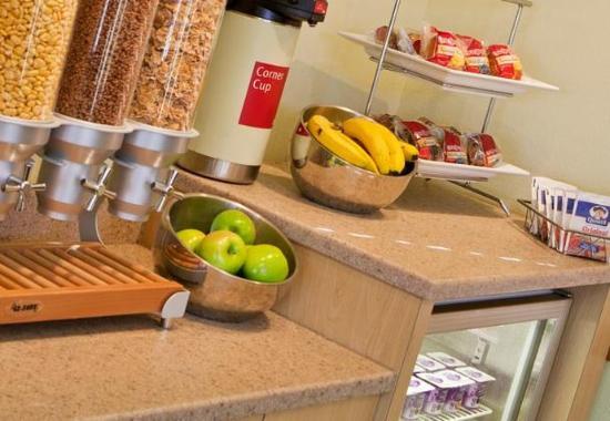 Eden Prairie, MN: Breakfast Bar