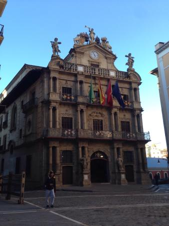 Town Hall: photo0.jpg