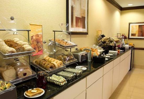 Alpharetta, GA: Breakfast Area