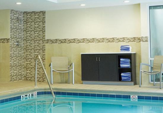 Lithia Springs, GA: Indoor Pool - Amenities
