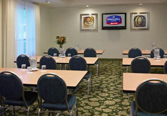 Bridgeton, MO: Meeting Room