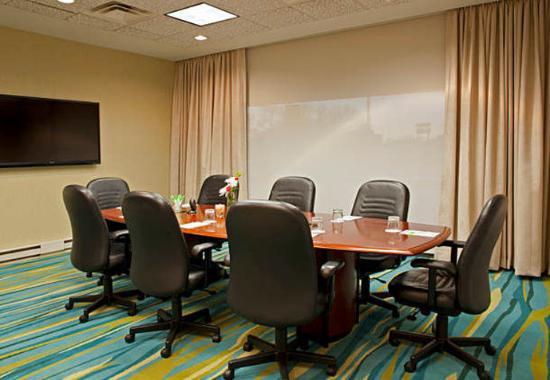 Rosemont, IL: Douglas Boardroom