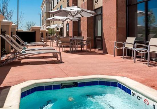 Longmont, CO: Outdoor Spa & Patio