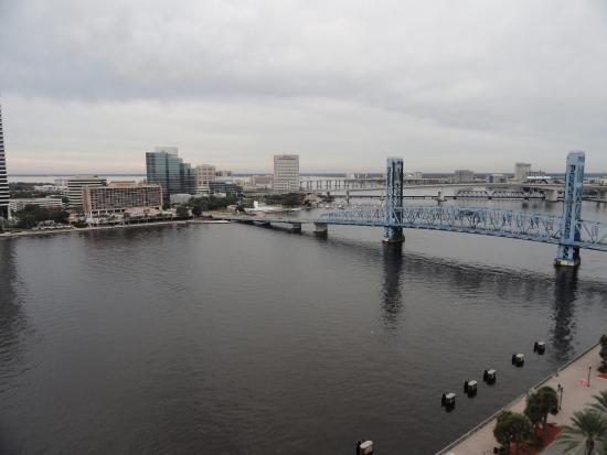 Hyatt Regency Jacksonville Riverfront: View of St Johns River and Main Street Bridge