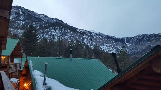 Mt. Charleston Lodge: Another view from our cabin's balcony