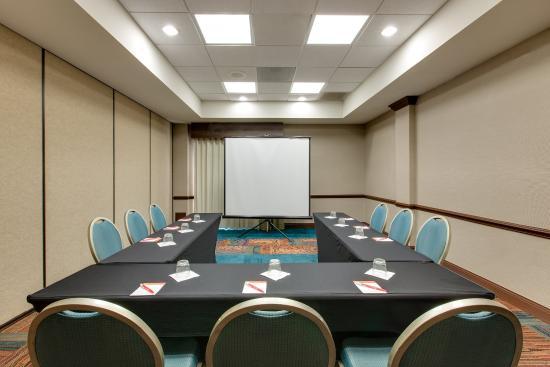เวอร์นอนฮิลส์, อิลลินอยส์: Meeting Room