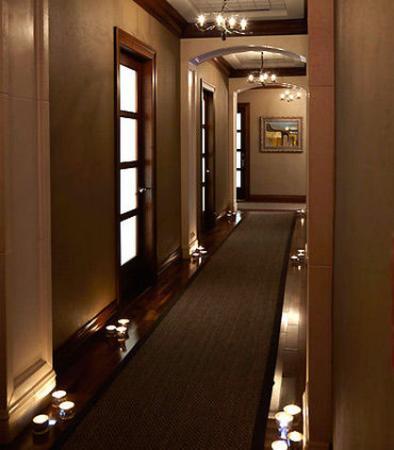 พิตต์สฟอร์ด, นิวยอร์ก: Spa at the Del Monte - Treatment Room Hallway