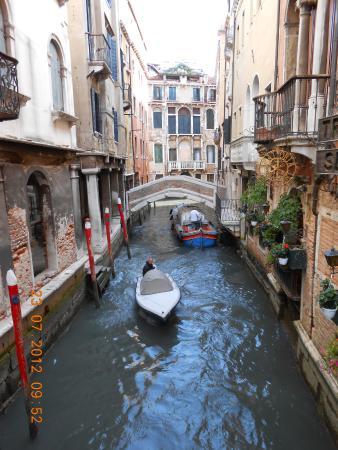เวเนโต, อิตาลี: Tutejšyja žychary da svaich gankaŭ padpłyvajuć…