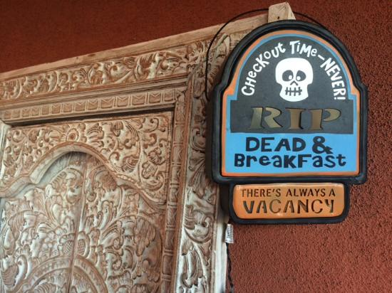 Saint David, AZ: Calaveras and interesting collections for your viewing pleasure