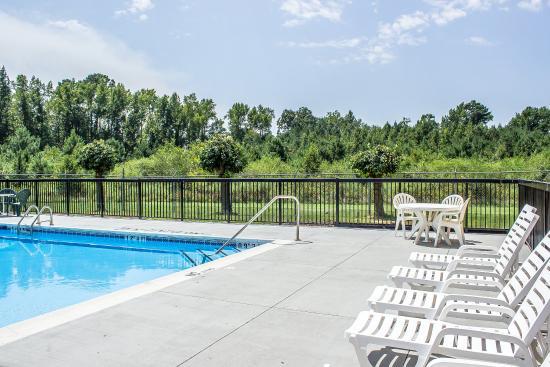 Dunn, Северная Каролина: Pool