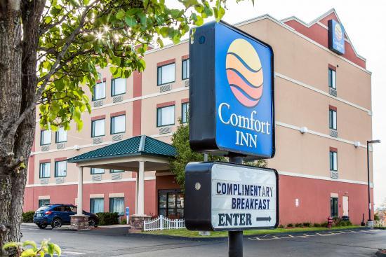 Comfort Inn East Windsor: Exterior