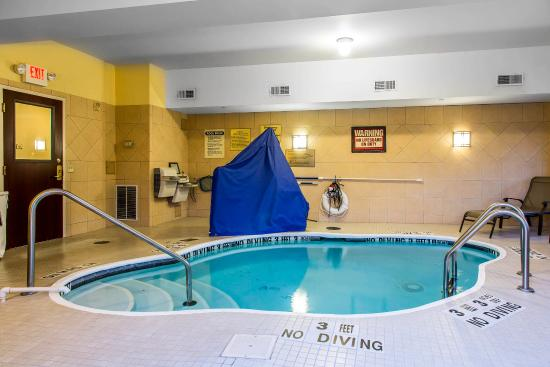 East Windsor, CT: Pool
