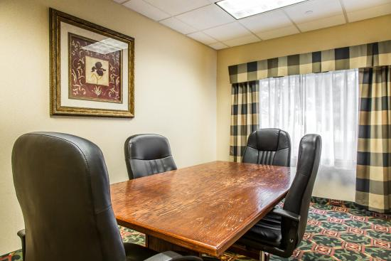 East Windsor, CT: Conference room