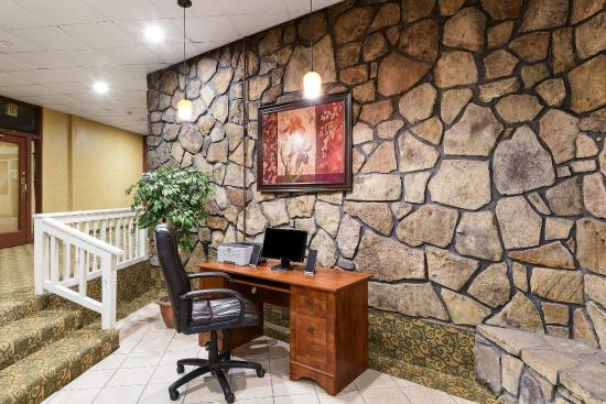 Grantsville, MD: Business Center