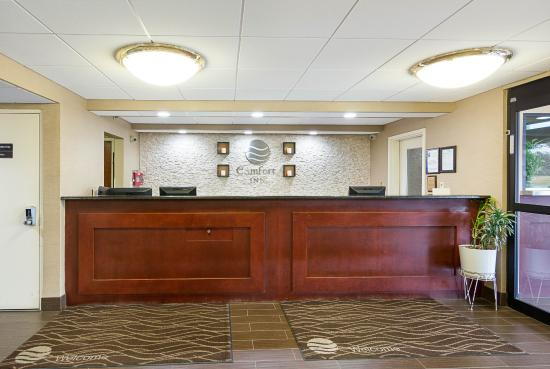 Oxon Hill, MD: Front Desk