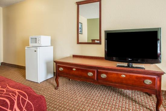 Comfort Inn & Suites Dayton: Guest Room