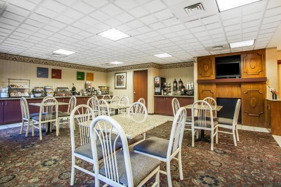 Comfort Inn & Suites Dayton: Breakfast