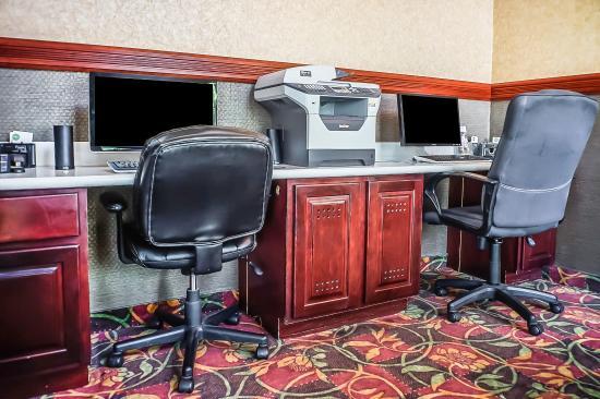 Comfort Inn: Computer