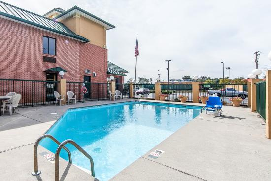 Lenoir City, TN: Pool