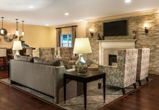 Sudbury, MA: Lobby Lounge