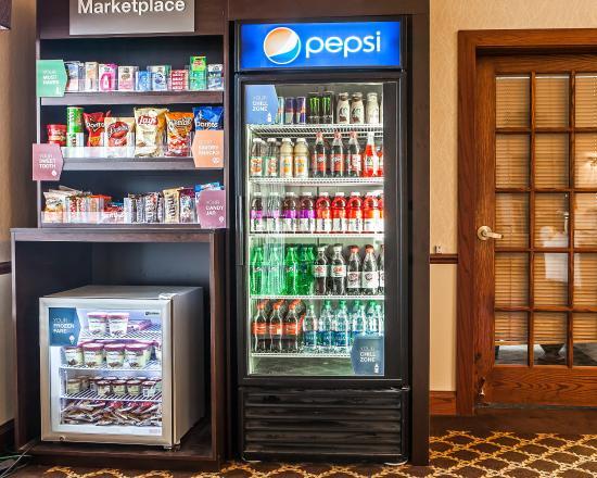 Comfort Suites Milwaukee Airport: Market