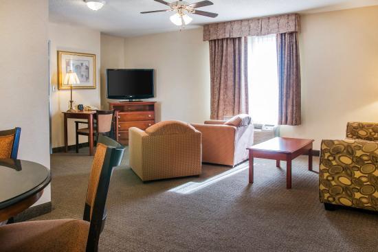 Comfort Suites Findlay  79    U03361 U03360 U03367 U0336