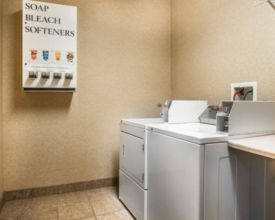 Cedar Falls, IA: Laundry