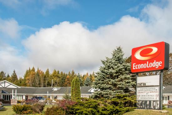 ‪Econo Lodge Lakeshore‬