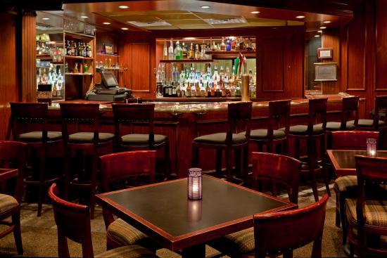 อีสต์วินด์เซอร์, นิวเจอร์ซีย์: After your big meeting or banquet, unwind at JT's Lounge