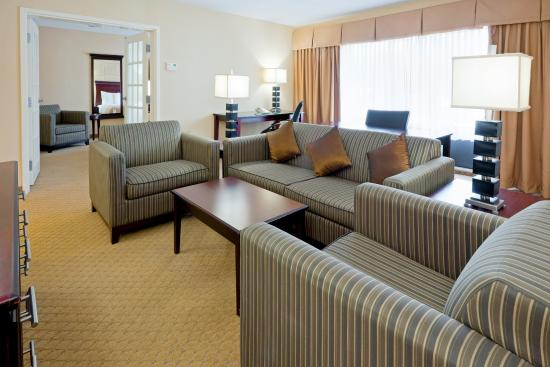 East Windsor, NJ: Book Your Wedding with Us, Stay in the Presidential Suite