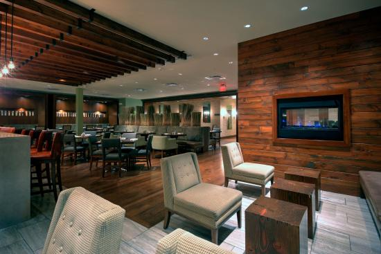 Glen Ellyn, IL: Glen Prairie Bar and Lounge